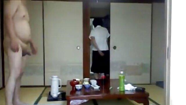 性別ビデオとスキニー妻入すにGaiaにフロントの彼女の夫 女子 用 セックス 動画